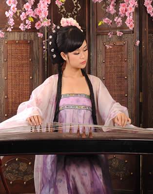 古筝教师王雨