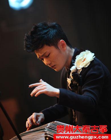 弦动青春 2013<a href=http://www.guzhengpx.com target=_blank class=infotextkey>刘乐古筝</a>音乐会将先后在重庆、太原、大连、武汉举办